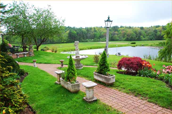 Pond-at-The-Farm-Antiques